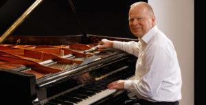 Klavierbaumeister Reinhold Pöhlmann